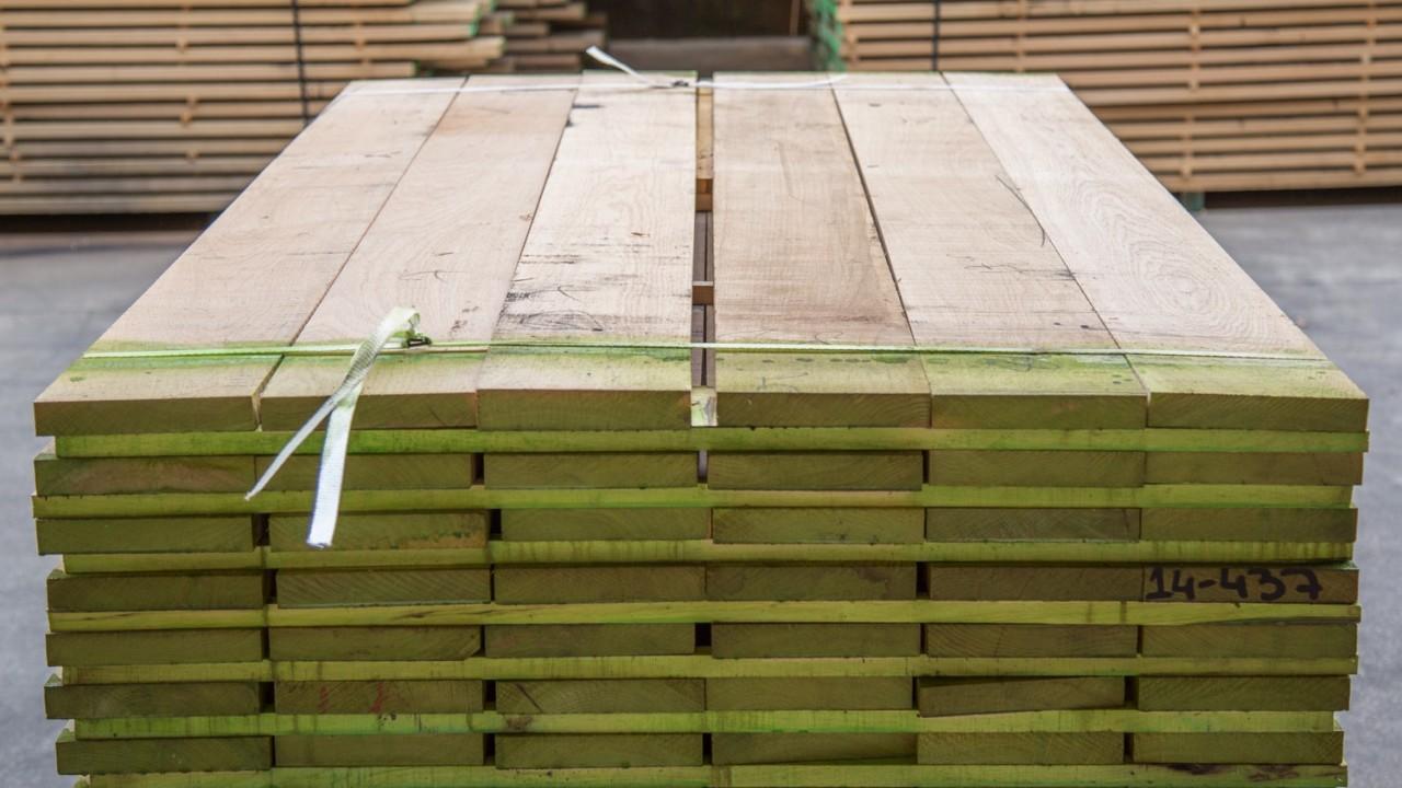 legnami-vendita-legno-legname-larice-siberiano-ingrosso-da-costruzione-prezzi-stagionatura-commercio-rovere-europeo-tavole-prezzo-prefinito-legna-abete-faggio-frassino-tiglio-dal-lago-spa-Dal Lago-14