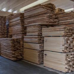legnami-vendita-legno-legname-larice-siberiano-ingrosso-da-costruzione-prezzi-stagionatura-commercio-rovere-europeo-tavole-prezzo-prefinito-legna-abete-faggio-frassino-tiglio-dal-lago-spa-Dal Lago-4