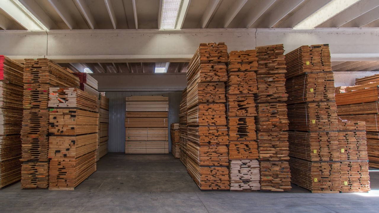 legnami-vendita-legno-legname-larice-siberiano-ingrosso-da-costruzione-prezzi-stagionatura-commercio-rovere-europeo-tavole-prezzo-prefinito-legna-abete-faggio-frassino-tiglio-dal-lago-spa-Dal Lago-5