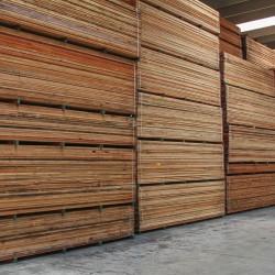 legnami-vendita-legno-legname-larice-siberiano-ingrosso-da-costruzione-prezzi-stagionatura-commercio-rovere-europeo-tavole-prezzo-prefinito-legna-abete-faggio-frassino-tiglio-dal-lago-spa-dal lago3