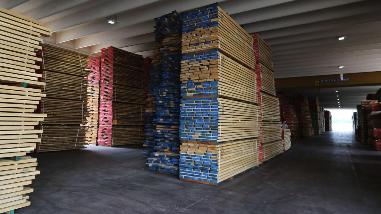 legnami-vendita-legno-legname-larice-siberiano-ingrosso-da-costruzione-prezzi-stagionatura-commercio-rovere-europeo-tavole-prezzo-prefinito-legna-abete-faggio-frassino-tiglio-dal-lago-spa-120