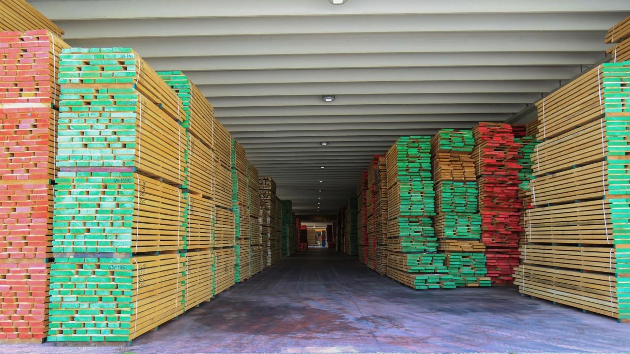 legnami-vendita-legno-legname-larice-siberiano-ingrosso-da-costruzione-prezzi-stagionatura-commercio-rovere-europeo-tavole-prezzo-prefinito-legna-abete-faggio-frassino-tiglio-dal-lago-spa-142