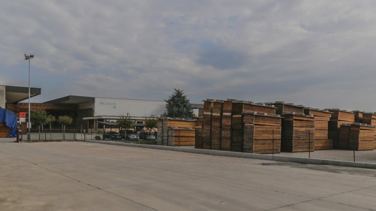 legnami-vendita-legno-legname-larice-siberiano-ingrosso-da-costruzione-prezzi-stagionatura-commercio-rovere-europeo-tavole-prezzo-prefinito-legna-abete-faggio-frassino-tiglio-dal-lago-spa-4