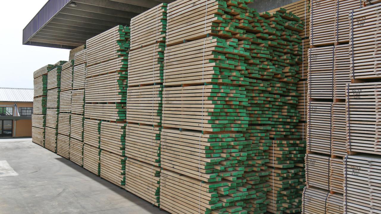 legnami-vendita-legno-legname-larice-siberiano-ingrosso-da-costruzione-prezzi-stagionatura-commercio-rovere-europeo-tavole-prezzo-prefinito-legna-abete-faggio-frassino-tiglio-dal-lago-spa-Provino-1