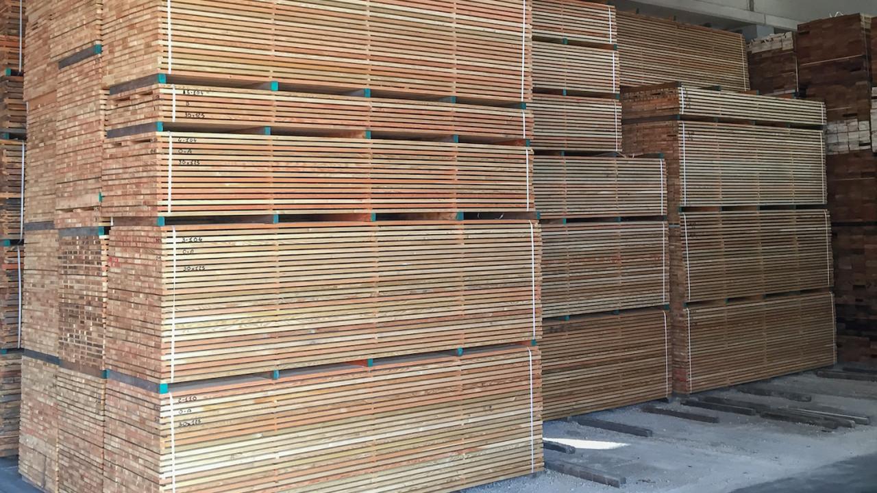 legnami-vendita-legno-legname-larice-siberiano-ingrosso-da-costruzione-prezzi-stagionatura-commercio-rovere-europeo-tavole-prezzo-prefinito-legna-abete-faggio-frassino-tiglio-dal-lago-spa-Provino-1-2